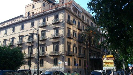 Palermo - Grand Hotel et Des Palmes - vista dalla Via Roma
