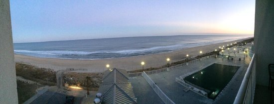 Hilton Suites Ocean City Oceanfront : view from 421