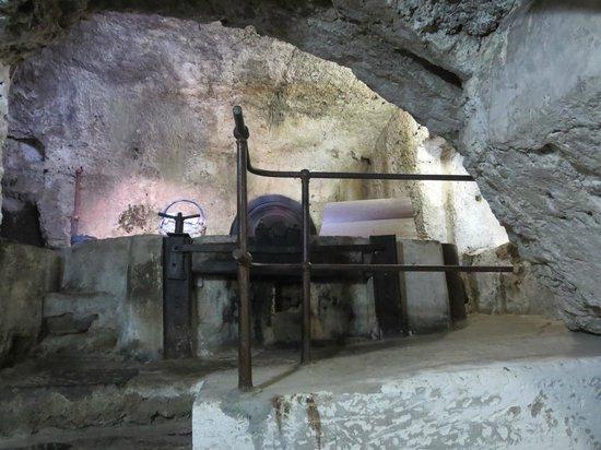 Museo della Carta: a later version of the rag pounder