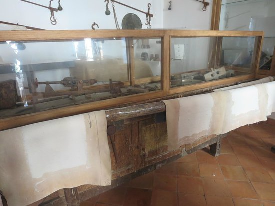 Museo della Carta: how the papers are dried
