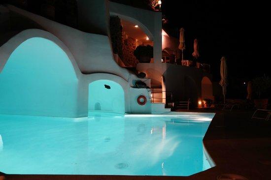 Esperas: pretty pool at night