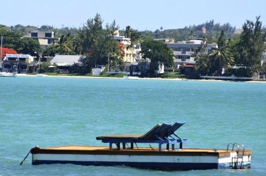 20 Degres Sud Hotel: Le radeau-ponton privée de l'hôtel au large de la baie
