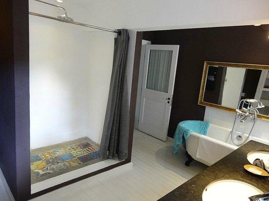 20 Degres Sud Hotel: Salle de bain de la supérieure  beachfront #43