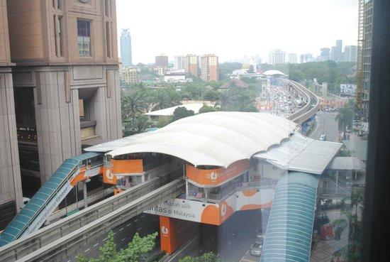 Melia Kuala Lumpur : Imbi LRT station