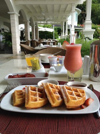 Sugar Beach, A Viceroy Resort: Breakfast at the Terrace
