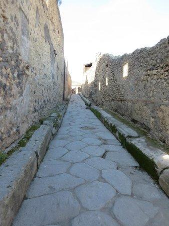 Pompeii - Parco Archeologico: a street