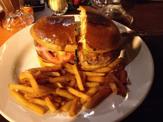 """La Malagueña : """"Charly's Burger"""" !!! God! So delicious! The very best!"""