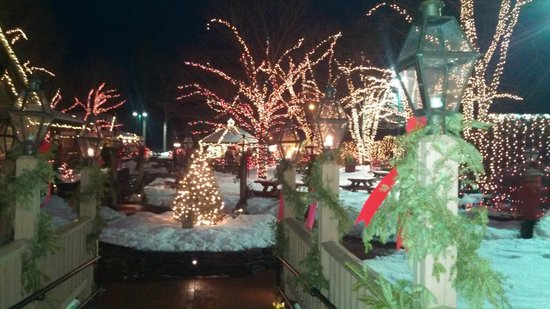 Yankee Candle Flagship Store: Decked out for Christmas