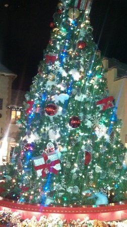 Yankee Candle Flagship Store : Gorgeous Tree