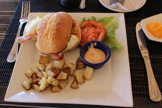 Straw Hat Restaurant: Egg Sandwich with breakfast potatoes