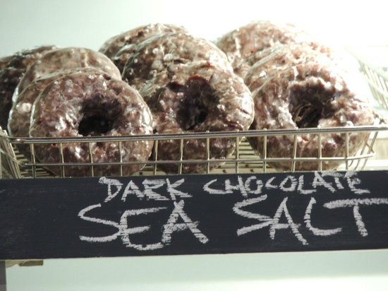 The Holy Donut : dark chocolate and sea salt