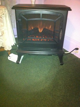 Hogland House: Warm fire