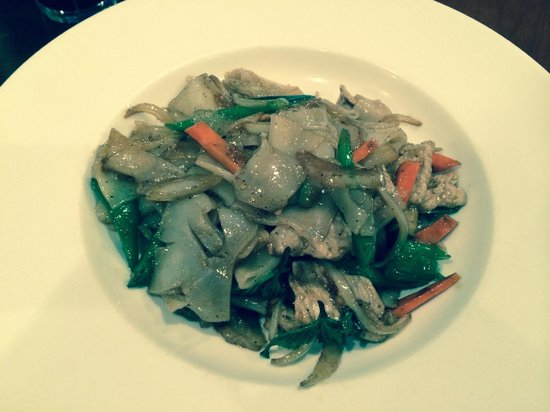 Khao Tip: Pad Khi Mao (flat noodles) with Pork