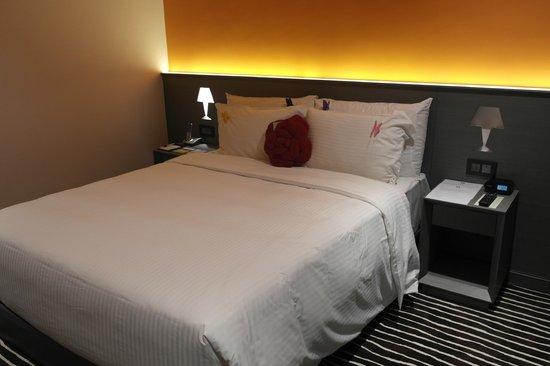 Butterfly on Prat: Bedroom