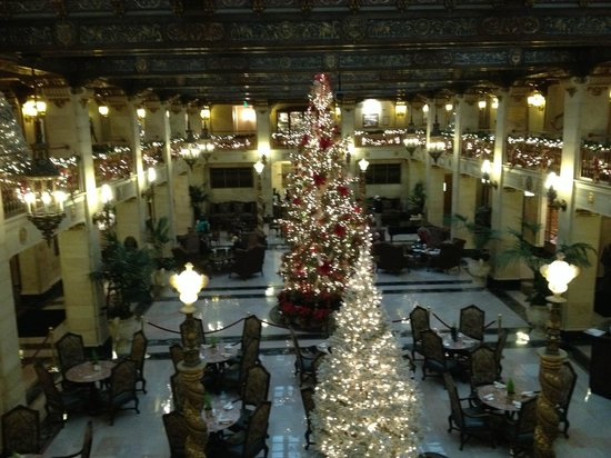 The Historic Davenport, Autograph Collection: Christmas traditions should happen here. Very accommodating in rooms & restaurant.