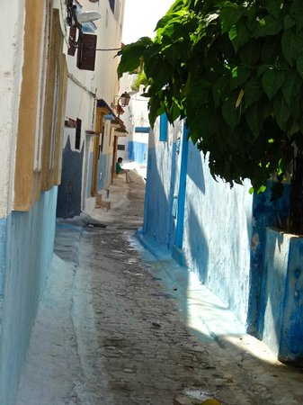Kasbah des Oudaias: Blue and white neighborhood streets