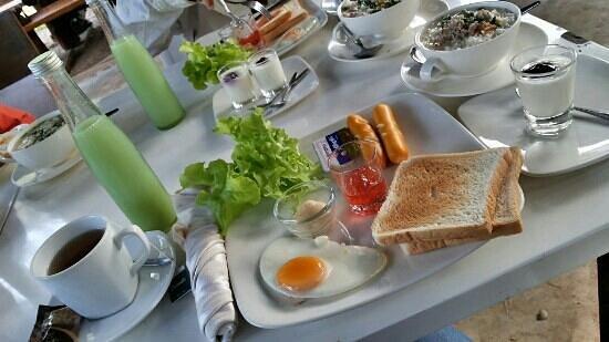 Porploen Hip Resort @Suan Phung: Amrican Breakfast☆★☆★☆