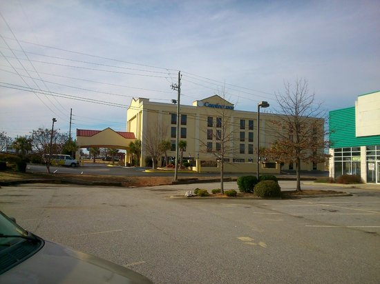 Comfort Inn & Suites Athens: Outside