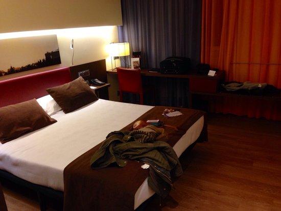Ayre Gran Hotel Colon: Room