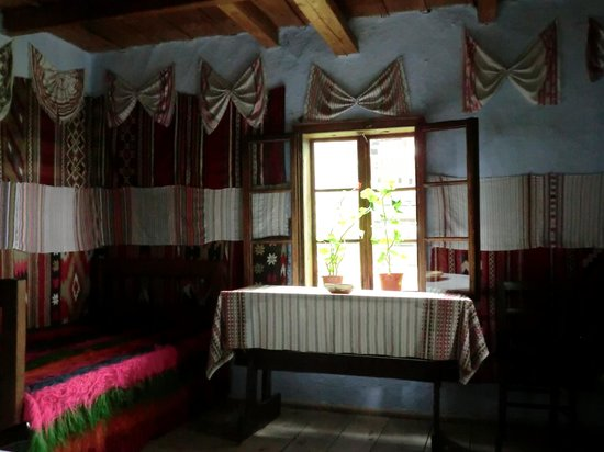 Village Museum (Muzeul Satului): このように内装も観られます