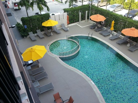 ibis Hua Hin: pool view from my room
