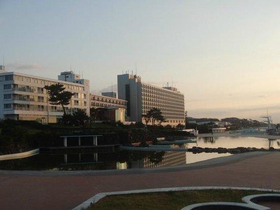 Oiso Prince Hotel: 日の出頃のホテル
