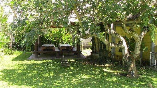 Premier Surf Camp: Massage corner on villa