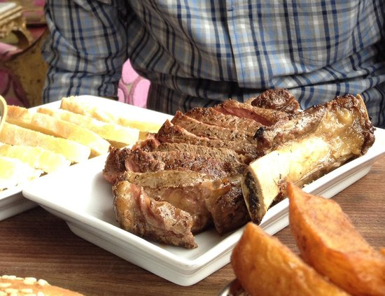 Hippopotamus: Prime Angus Rib of Beef (too chewy, had to spit out a few pieces).