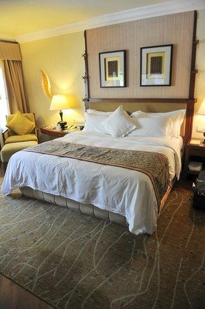 The Laguna, a Luxury Collection Resort & Spa: Bedroom