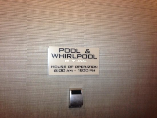 SpringHill Suites Philadelphia Langhorne: Long hours for the indoor pool