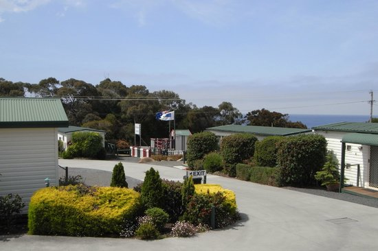BIG4 Bicheno Cabins: A view of Waubs Bay from our park.  Waubs Bay beach is 5 mins walk away.
