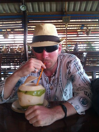 Lanta Old Town: fresh coconut water