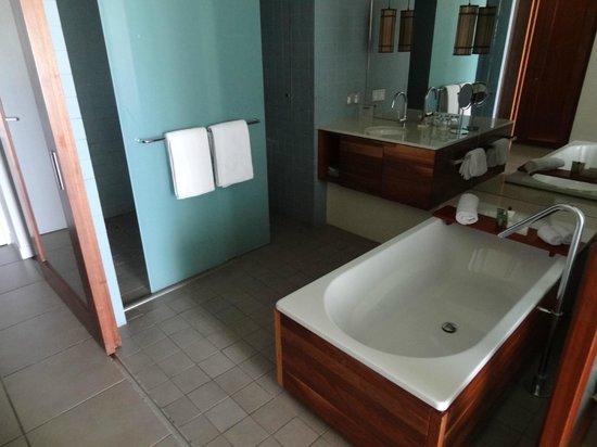 Hilton Fiji Beach Resort & Spa : Bathroom