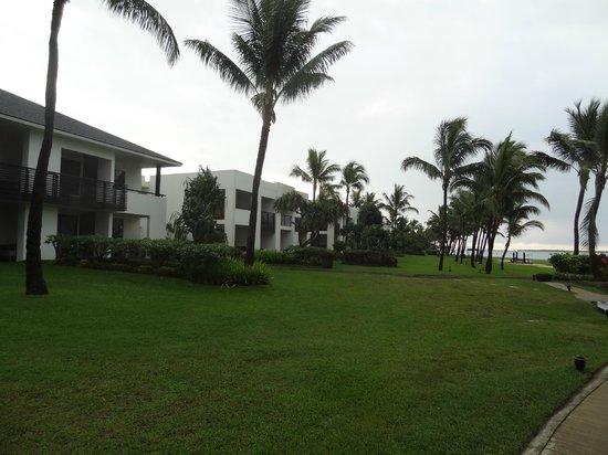Hilton Fiji Beach Resort & Spa: Resort Grounds