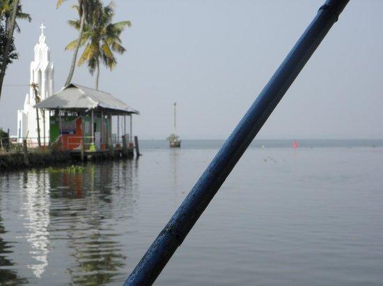 Kumarakom Bird Sanctuary: Houseboat view