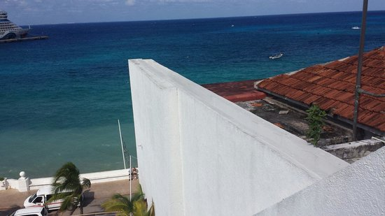Casa Mexicana Cozumel: View from ocean front room 404.