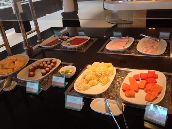 Amari Phuket: Breakfast fruit selections