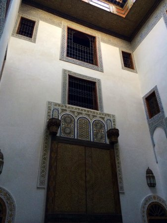 Dar Attajalli : The courtyard, view up to my room