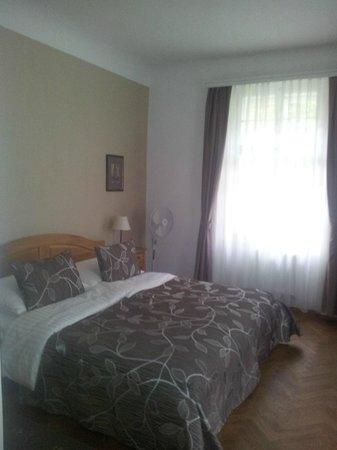 Hotel Pod Vezi: bed