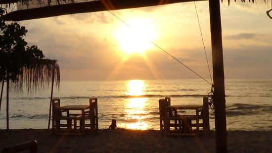 Warung Paradiso : sunset
