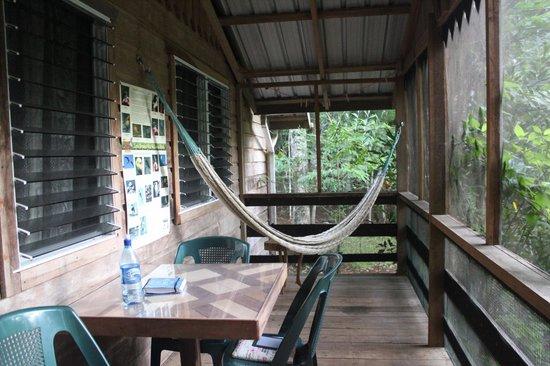 Moonracer Farm Lodging & Tours: Cabin Porch