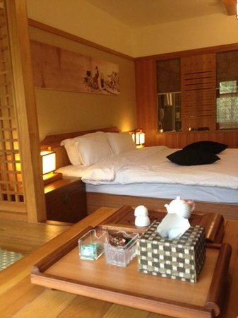 Yu Hotspring Resort: Cozy Hamlet Western room