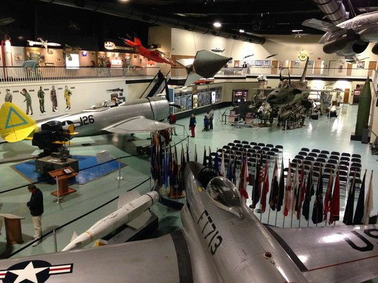 Air Force Armament Museum: Overview museum inside
