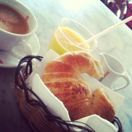 Cappuccino Bakery & Coffee House: French style breakie
