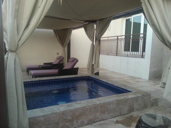 Anantara Eastern Mangroves Hotel & Spa: Private Temperature-controlled Wadepool