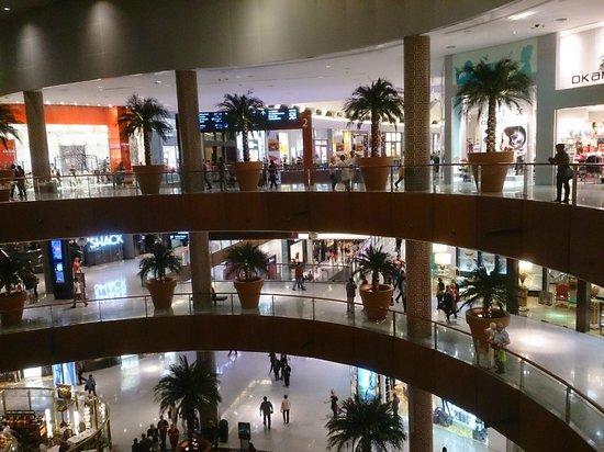 The Dubai Mall : amazing