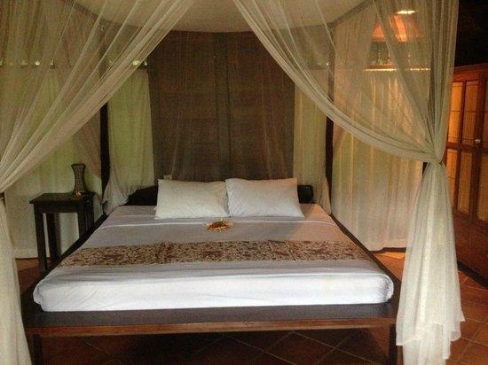 Graha Moding Villas: Villa bed