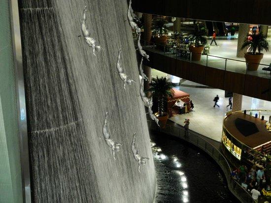 The Dubai Mall : Beautiful Mall