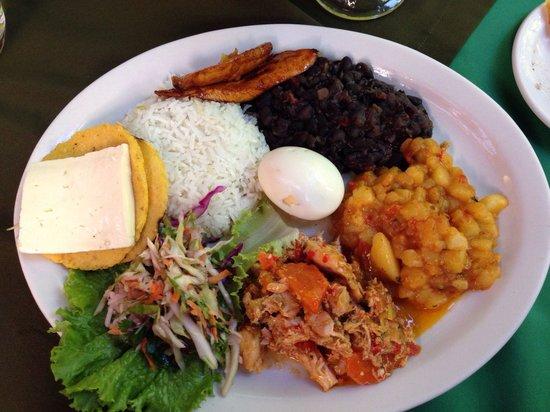 Chubascos: Casado with pollo