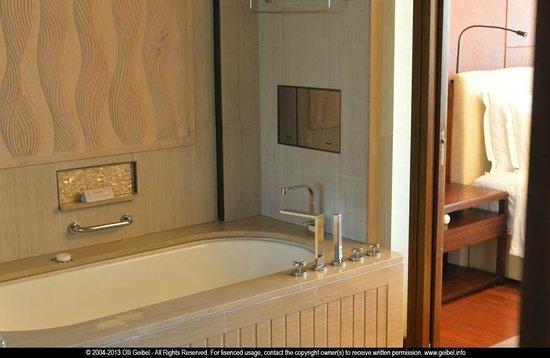 Haitang Bay Gloria Resort Sanya: bathroom